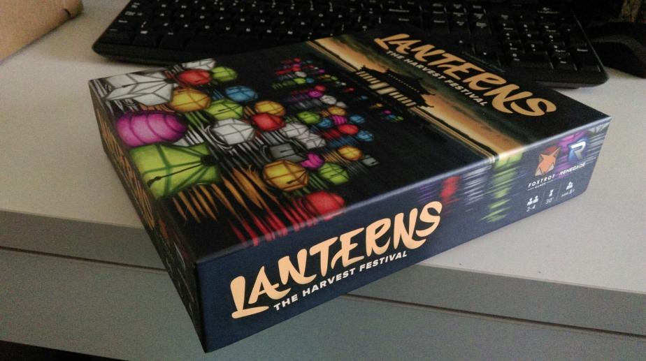 Jugando a LANTERNS